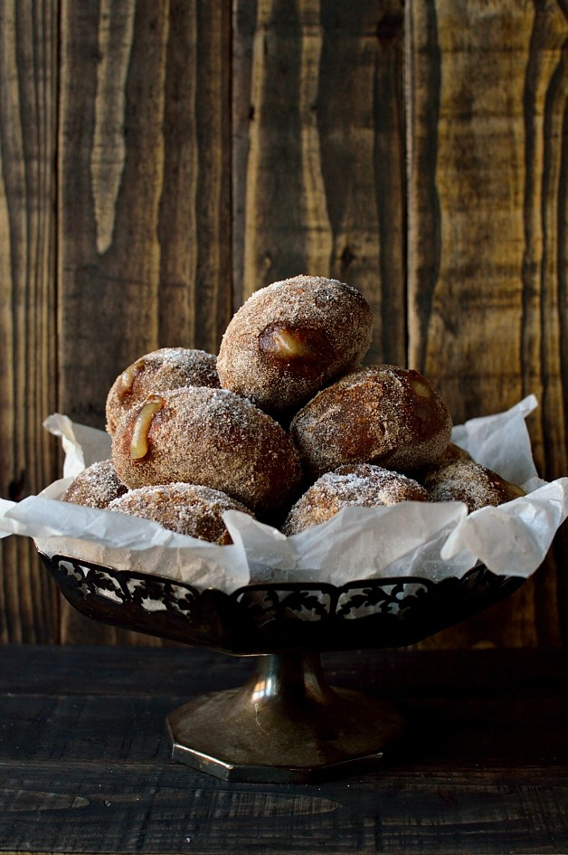 Gingerbread-spiced-fried-yeast-doughnuts-filled-with-apple-compote-Domestic-Gothess