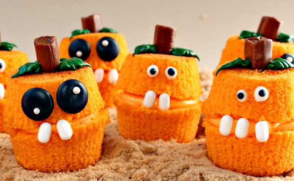 1466175985-pumpkin-patch-cupcake-poppers