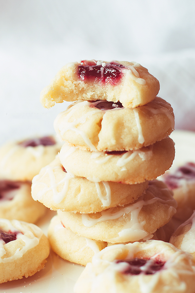 raspberry-almond-shortbread-cookies-3