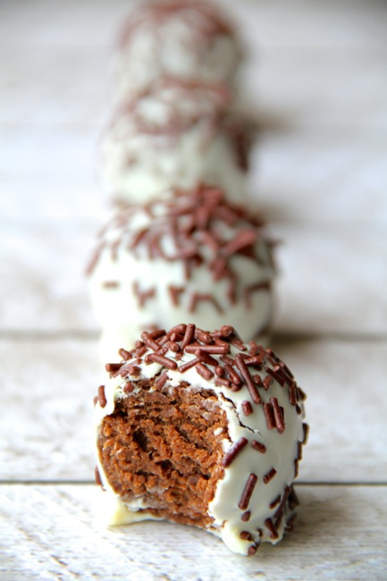 chocolate-gingerbread-truffles5